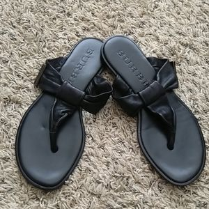 Burberry buttery soft leather thong flip sandals